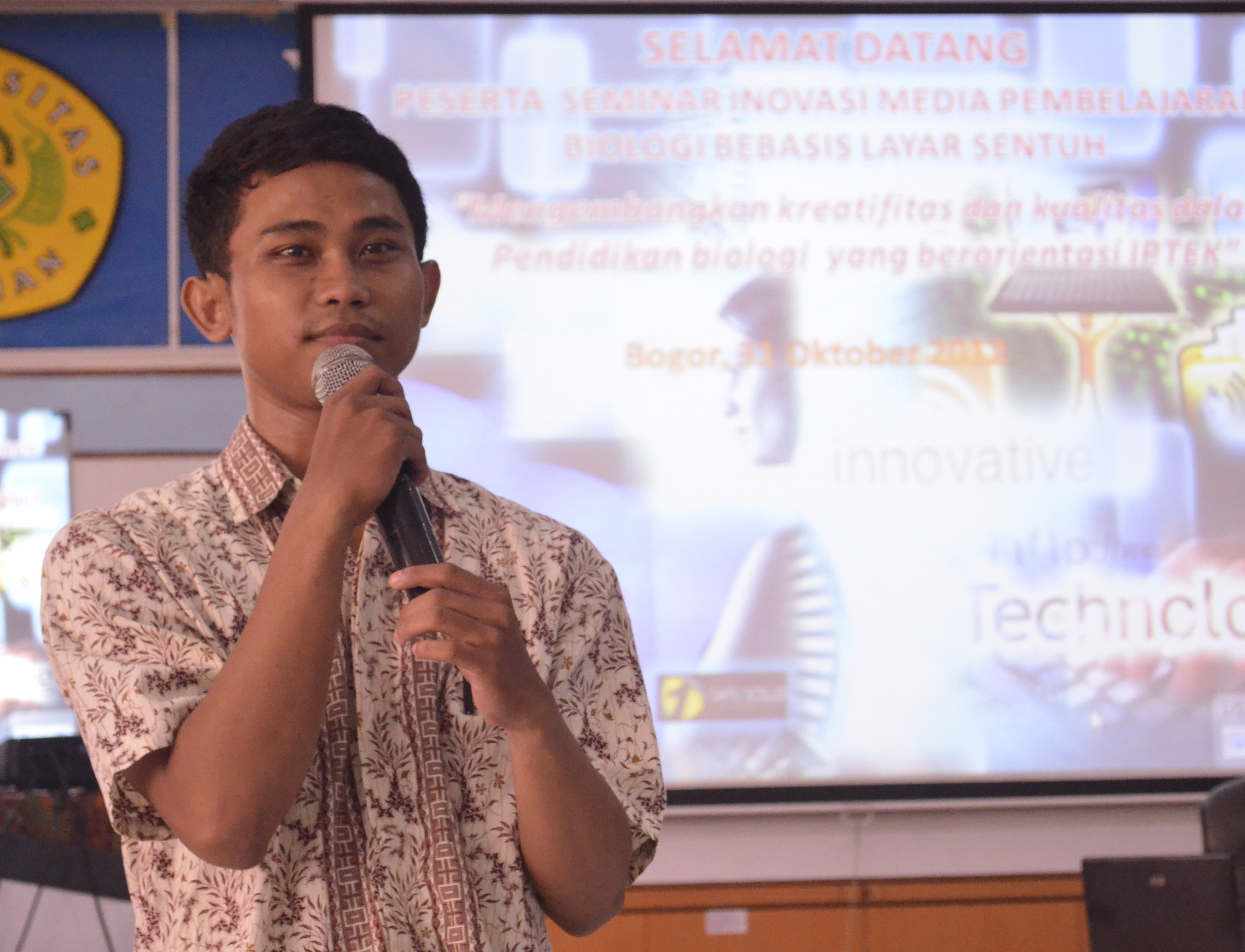 "The Power Of Learning Media"". Mohamad Kurniawan_ Alumni14"